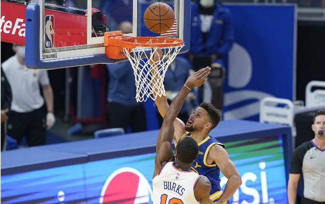 Barrett 28 + 5 Curry 30 puntos, Knicks gana a Warriors
